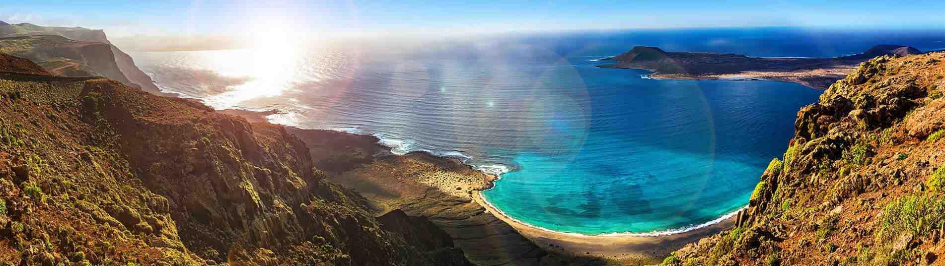 Quelle île des Canaries est la plus chaude en février?