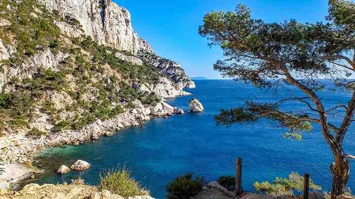 Où partir pour une escapade romantique en France à petit prix?