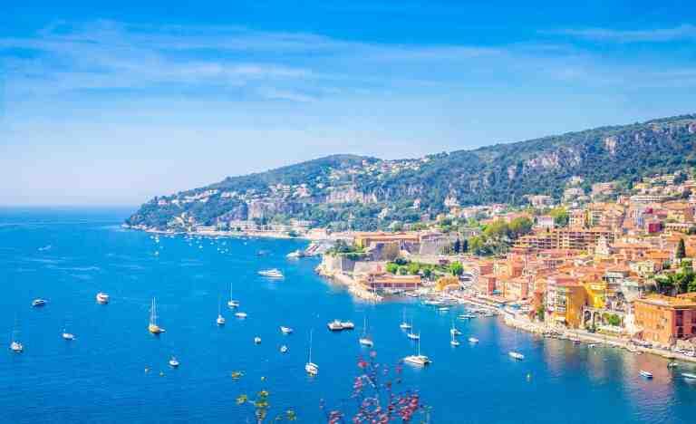 Où peut-on partir en vacances en août ?